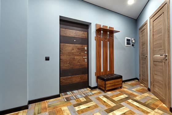 Díky dobrému osvětlení učiníme i místnost bez oken dobře obyvatelnou.