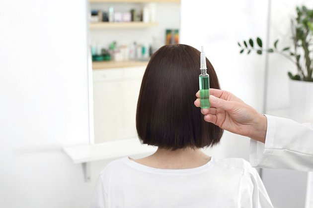 Zkuste se poradit o svých vlasech s odborníkem – tzv. trichologem