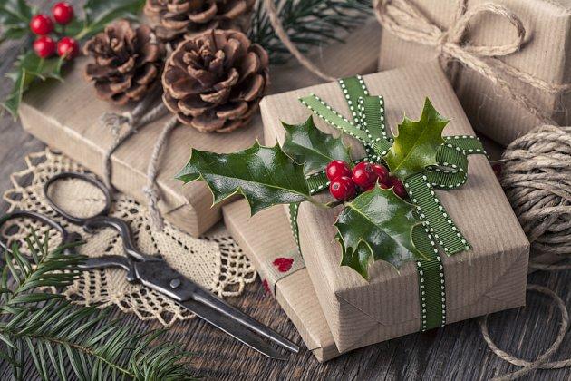 Radost udělá i pěkně zabalený dárek.