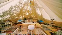 Vyzkoušejte nový styl v campingu zvaný glamping.
