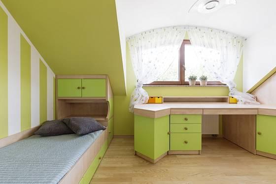 Podkroví nám pomůže využít na maximum nábytek na míru.