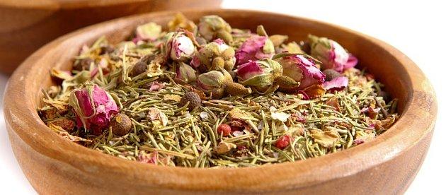 pot-pourri z růží a rozmarýnu