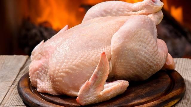 Pokud se naučíme vykostit kuře, můžeme všechno dokonale využít.