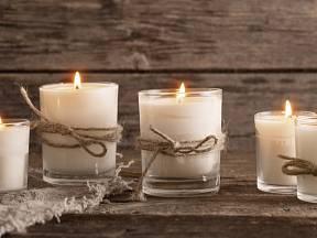 Plameny svíček mají magickou moc