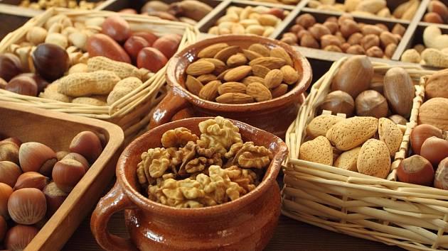 Ořechy mají spoustu druhů. To víme všichni. Ale věděli jste, že se řadí mezi ovoce?