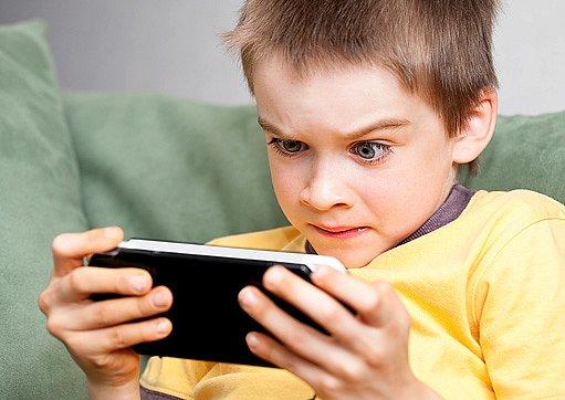 vysedávání u videoher není příliš zdravé