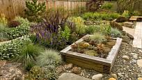 Vyvýšený záhon a suchomilné rostliny