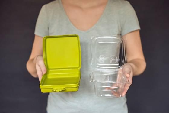 Plastu se nemí nutné vyhýbat úplně, stačí používat trvanlivější formu