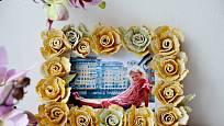 Květinový rámeček je nápaditou i romantickou dekorací