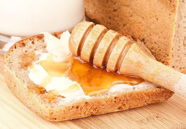 """Recept je jen jeden: denně chleba s medem."""""""