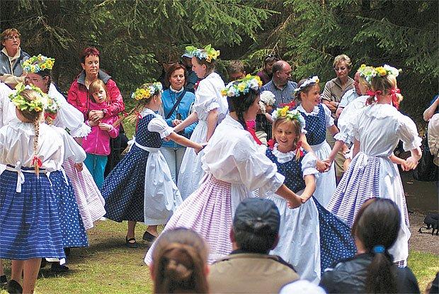 Tanec v kruhu