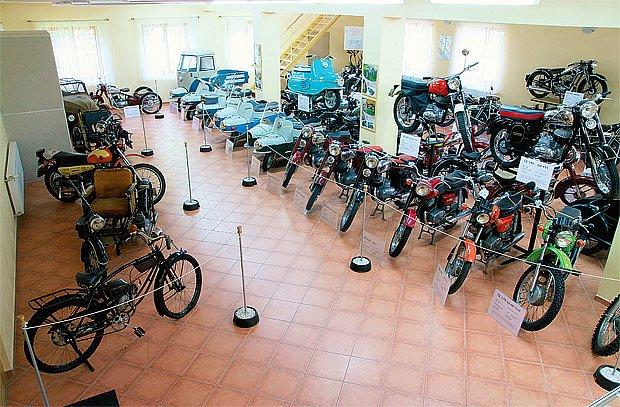 Sbírka motocyklů Jawa pana Ing. Františka Janečka