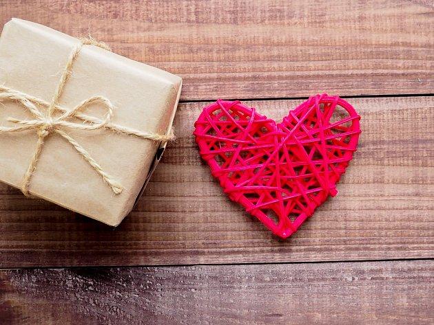 Valentýnské srdce z papíru vyrobíte podle videonávodu.