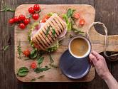 S kávou po dobrém jídle raději počkejte