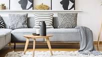 Polštáře patří i do minimalistického interiéru laděného ve skandinávském stylu.