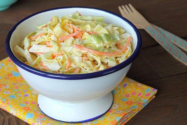 Coleslaw je lahůdkový a přitom zdravý salát