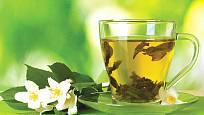Čaj se skládá z více než stovky chemických látek a největší podíl v něm mají třísloviny