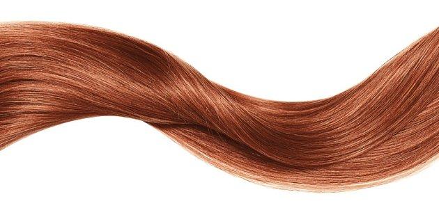 Vlasy ošetřené hennou jsou lesklé a silné