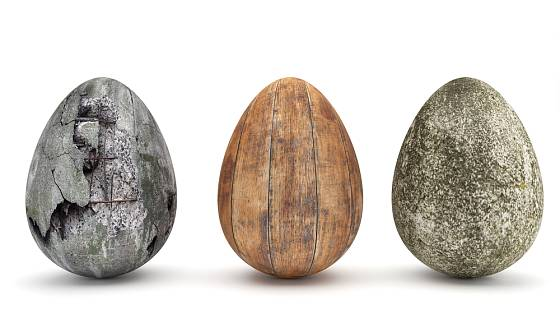 Vejce z betonu můžete zdobit různými způsoby.
