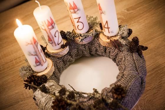 Jak je to se svíčkami na adventních věncích?