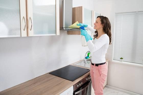 Při úklidu kuchyně nezapomínejte na digestoř