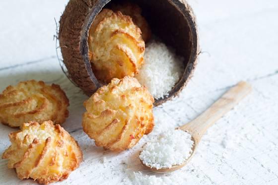 Kokosové cukroví patří k oblíbeným.