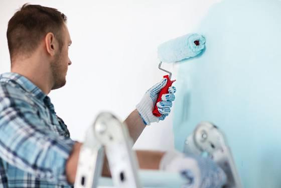 Pro ošetření zdí vybírejte přípravky působící proti plísním