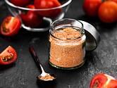 Vyrobte si domácí rajčatový prášek, je to úžasné koření!