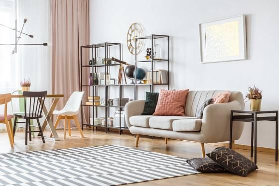 Současné moderní interiéry kladou důraz na vzdušnost.