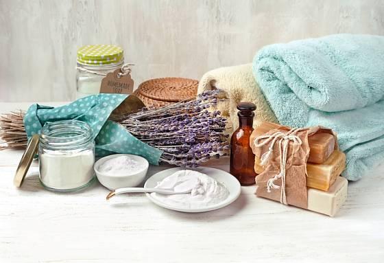 Praní prádla s přípavky z domácí kuchyně
