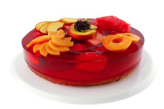 Do dortu můžete přidat i meruňky nebo broskve.