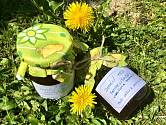 Domácí med pampeliškový s meduňkou a pomeranči.