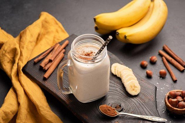 Mléko s banánem a skořicí má silné zklidňující účinky.