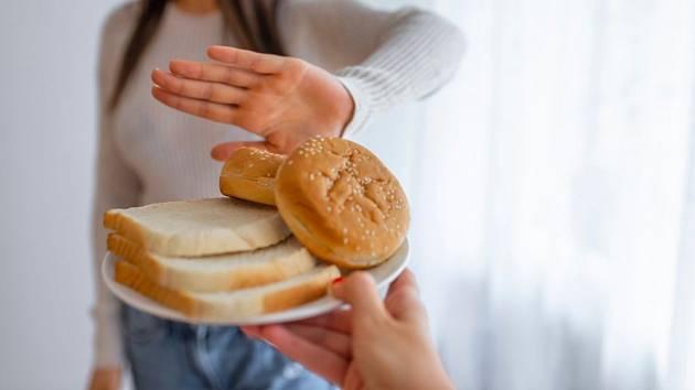 Při alergii i nesnášenlivosti lepku je třeba z jídelníčku vynechat obilné výrobky