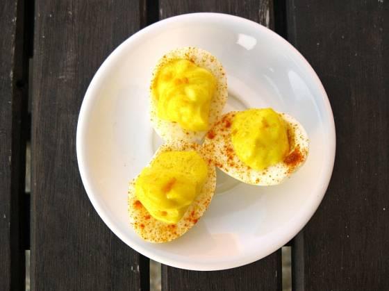 Křepelčí vajíčka s kari majonézou