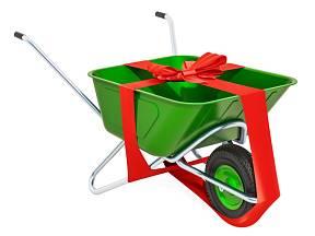Zahrádkáři ocení mezi dárky i zahradní pomocníky.