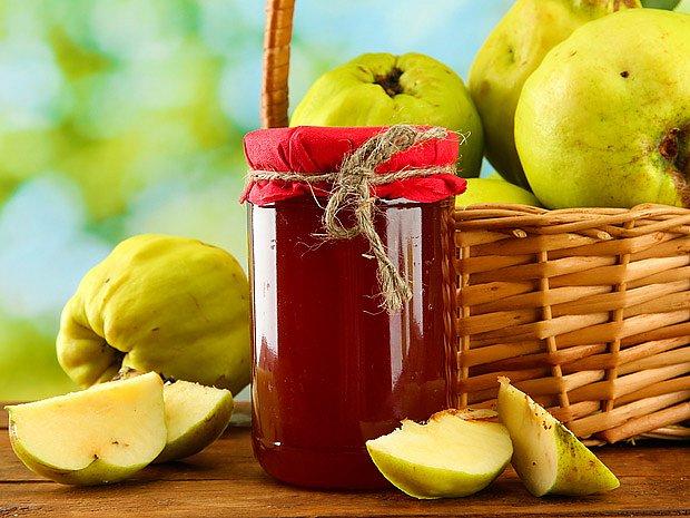 Kdoulová marmeláda má skvělou vůni, chuť, barvu i konzistenci