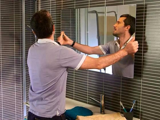Lepení zrcadla