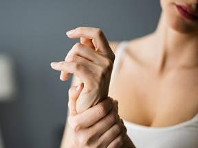 Bolest kloubů a pozdější artritida nás dokážou pěkně potrápit