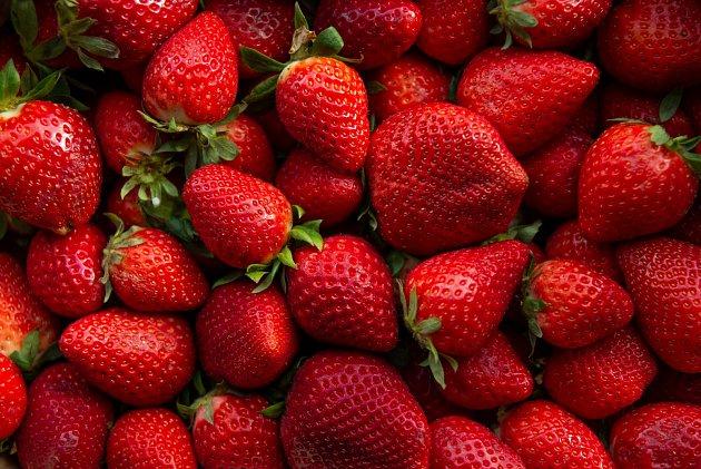 Slaďoučké jahody jsou nejen velmi chutným, ale zároveň i zdravým ovocem.