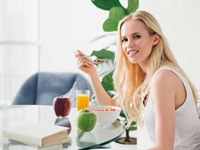 Müsli je zdravá snídaně, která vás nakopne na celý den