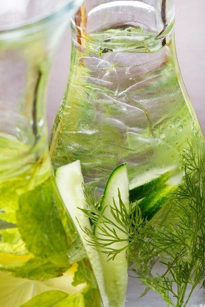 Pleťové tonikum z petržele a citronu pomáhá na pigmentové skvrny