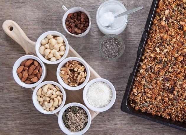 Do domácího müsli můžete dát vše podle své chuti.