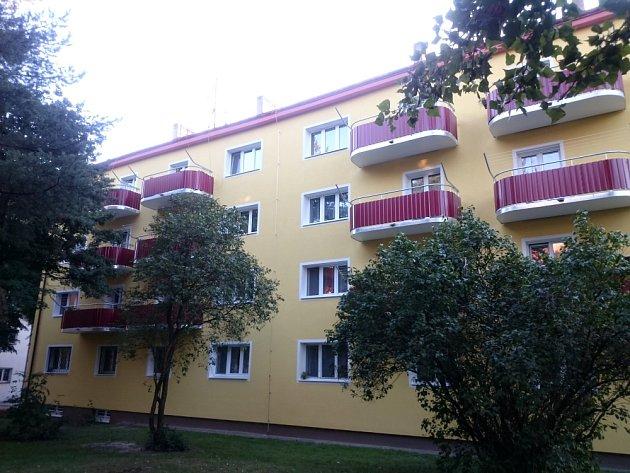 Balkony v Konzumní ulici v Praze po rekonstrukci.