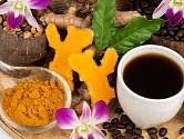 Káva s kurkumou