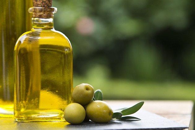 Olivový olej se součást ošetřujícího přípravku na nábytek