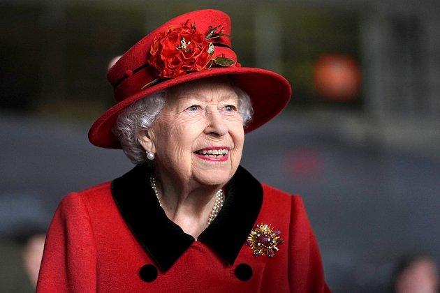 Královna Alžběta II. má kladný vztah ke květinám a zahradničení.