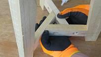 Výroba dřevěné trojnožky: Slepené vyvrtáme a sešroubujeme
