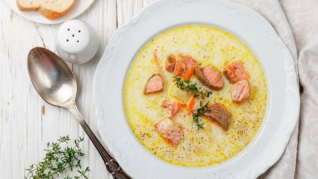 Lososová polévka potěší plnou svěží chutí.