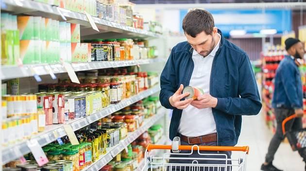 Nekonzumujeme potraviny podezřelého vzhledu, chuti či vůně